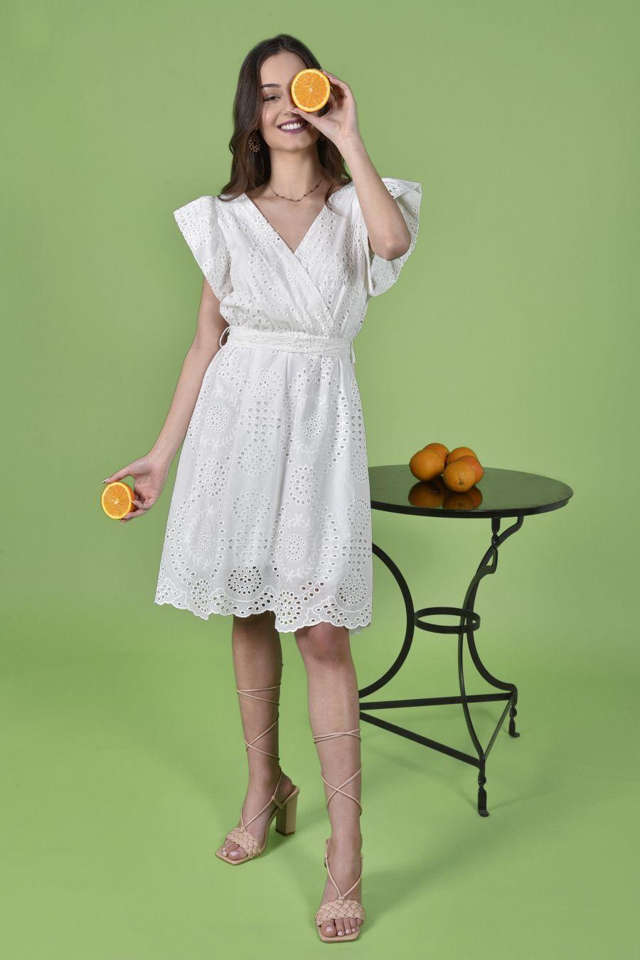 Λευκό φλοράλ φόρεμα